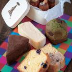 「パウンドケーキ」各230円。カフェで人気の「カヌレ」はBOX入りのミニサイズで600円