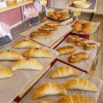 オープンから15時頃まで、随時パンが焼き上がる